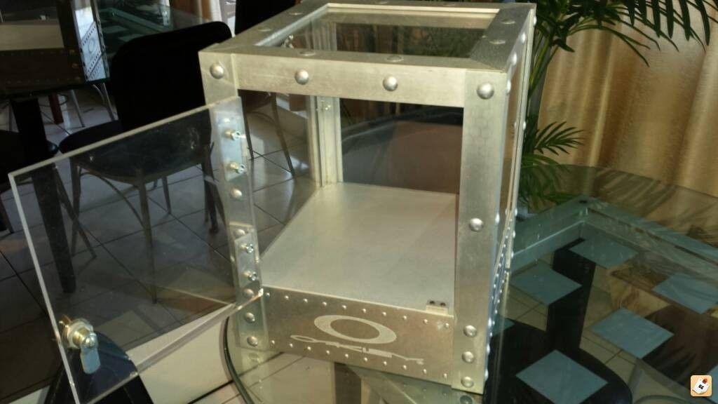 Grailed On A Display Cube! - ajyga5u9.jpg