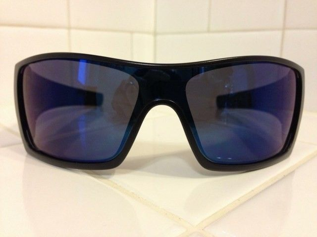 WTS: Oakley Batwolf With 2 Extra Changeable Icons - anazyzut.jpg
