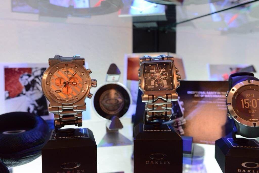 GH4AU's little Oakley watch collection - atu4ytyb.jpg