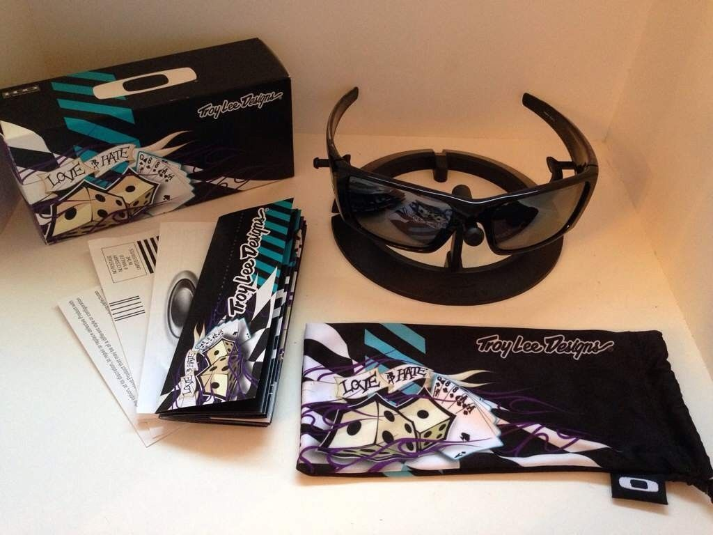 Oakley Troy Lee Designs....Love/Hate Fuel Cell....$300 - azu4yvev.jpg