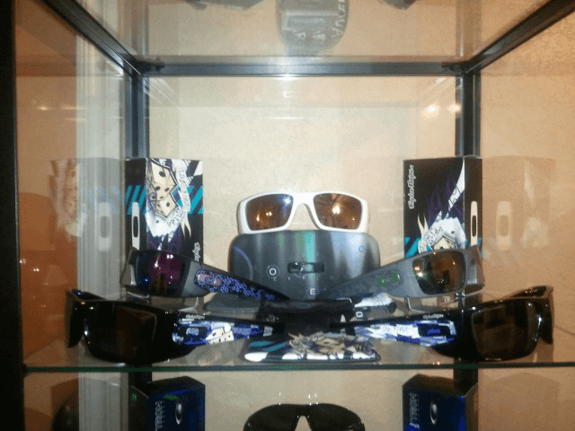 Everything Oakley -- Post Pics Of All Your Oakley Gear! - b3c4be3b.png