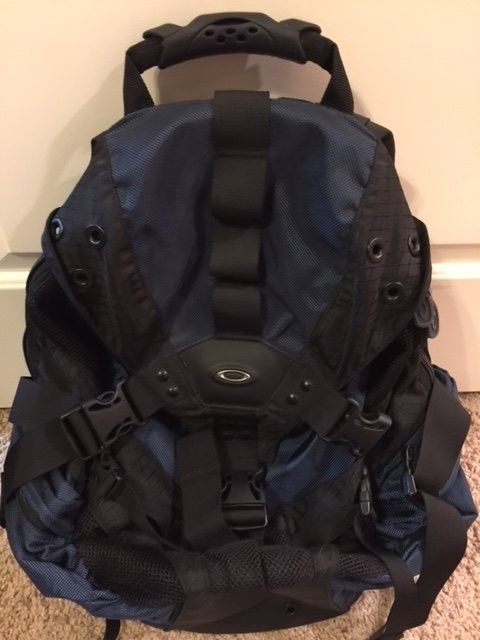 Oakley Icon 2.0 Backpack Cobalt $65 - backpack3.JPG