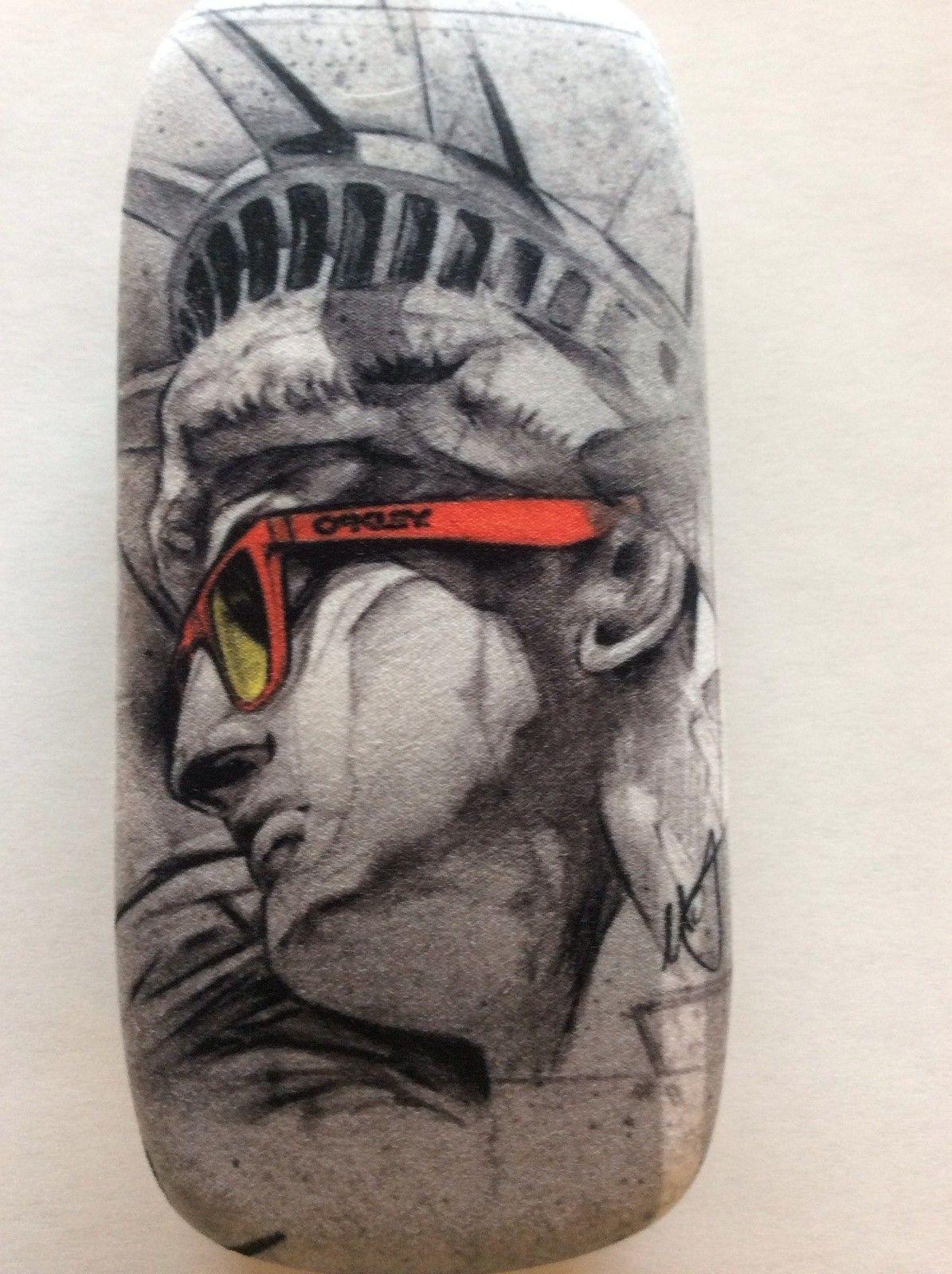 Oakley Liberty Hard Case - BdFXRw.jpg