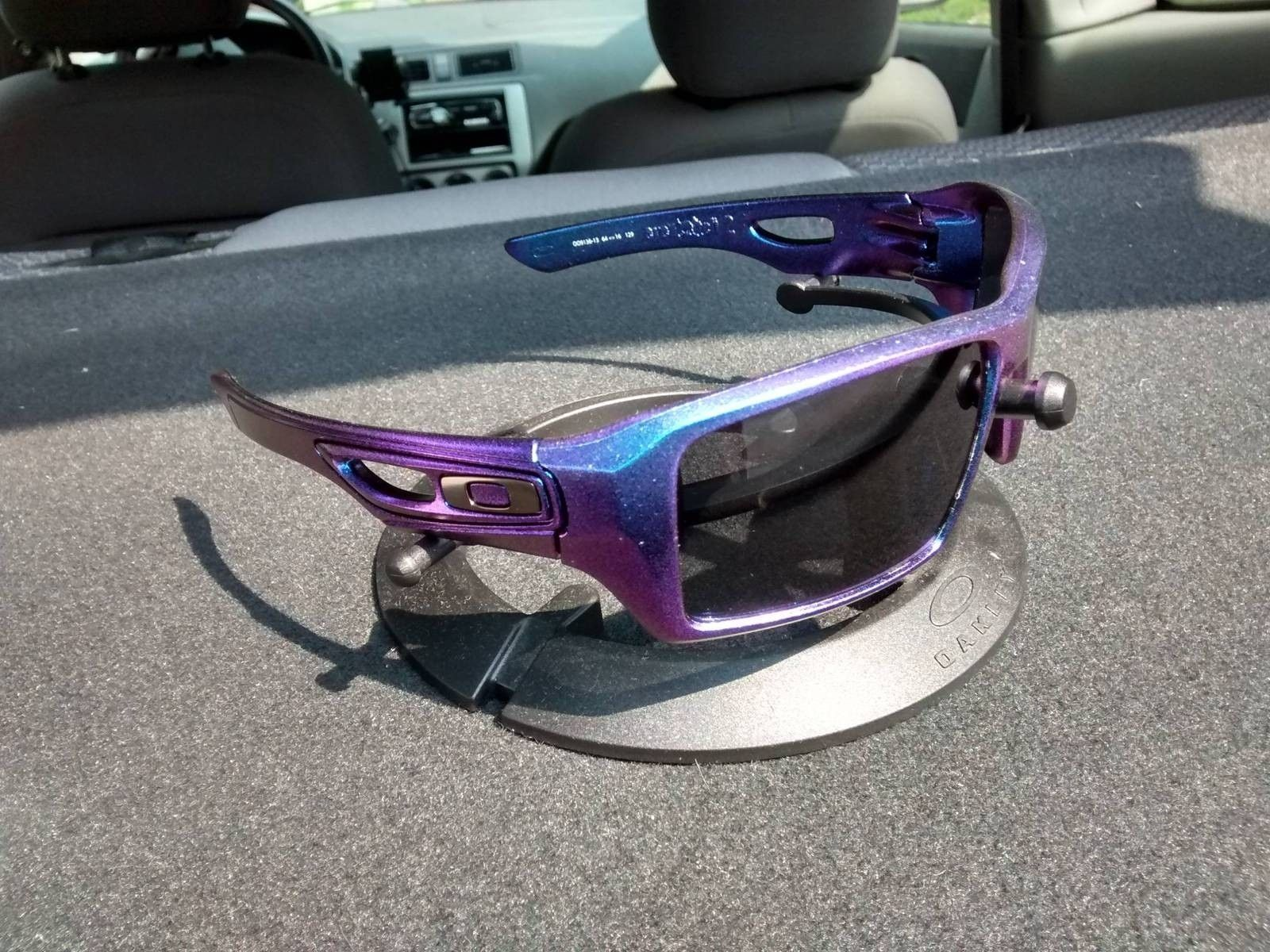 What If Your Oakleys Could Change Colors In The Sun.... - bM7HzaT.jpg
