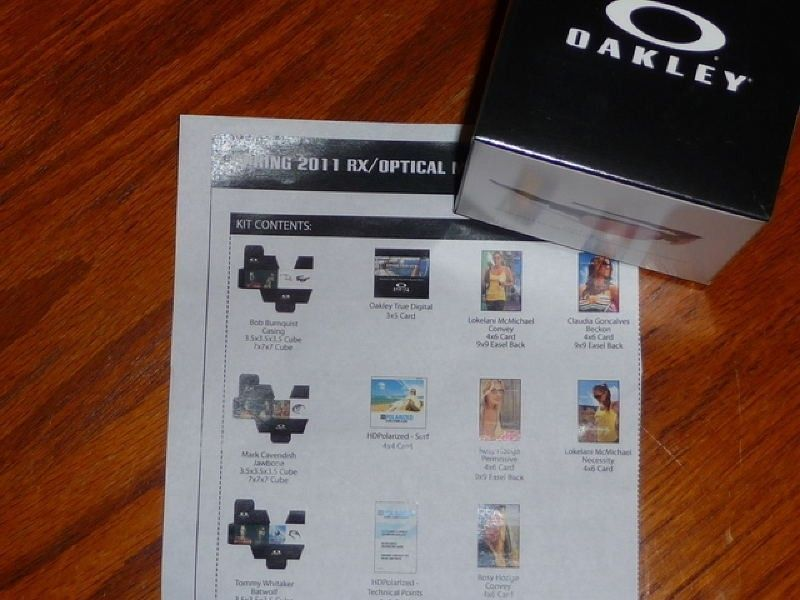 FS: 2011 Oakley Advertising Cards, Cubes, And Easel Backs - boxselections.jpg