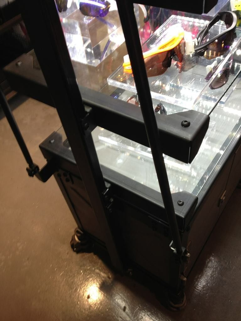 Initial Thoughts On The NEW Display Cases - bu2a9u3a.jpg