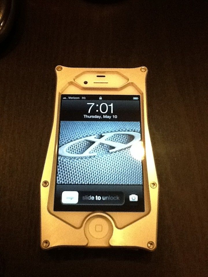 This Is How Oakley Should Have Made An IPhone Case! - c8c222a2.jpg