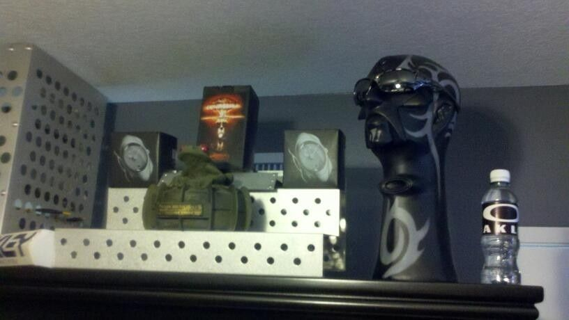 FearGearGarage ~ NEW OFFICE SET UP - cabinettop.jpg