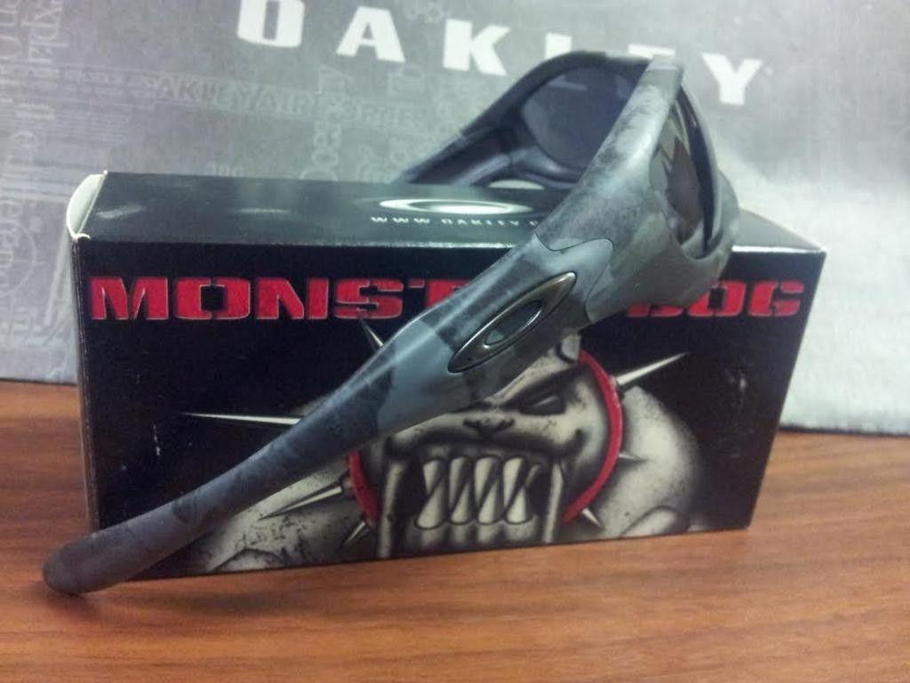 Oakley Night Camo Monster Dog LNIB - CamoDogs_zps9121f579.jpg