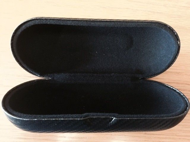 Random O bundle(hat, eye jackets, Golf Tees, poker chip, dog tag and more!) - carbon case.jpg