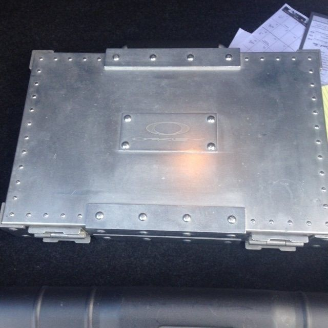 SOLD Oakley Aluminum Rep Brief Case - CAse1.jpeg