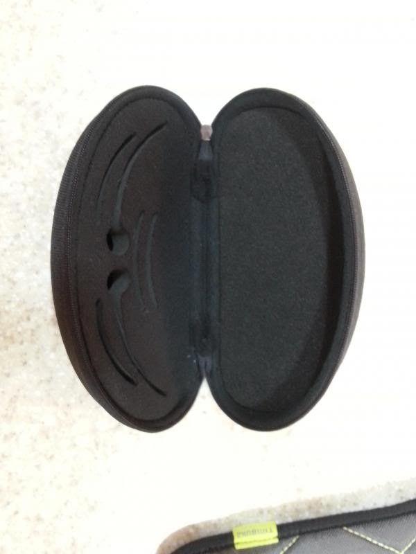 Jawbone Vented Grey Lenses & Unknown Case - Case2.jpg