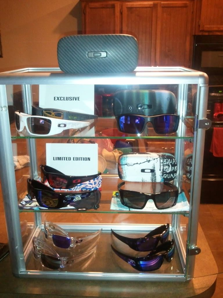 Bought 2 New Countertop Style Display Cases - case2.jpg