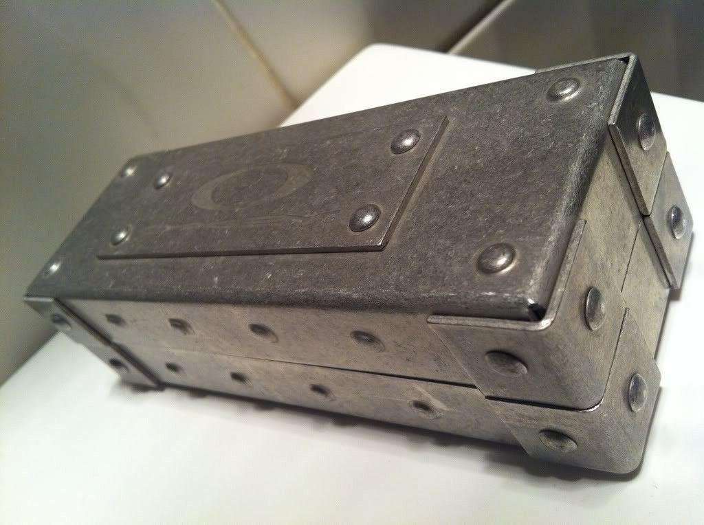 FS/FT: Oakley Metal Vault - ceefe72d.jpg