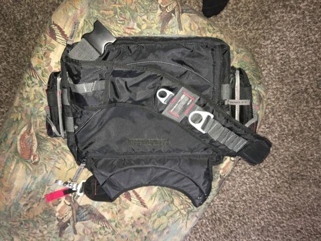 Can anyone help show me how this bag works? - CFBFDF2E-4025-4CEC-94FE-88F68993B8B6_zpssdivco4b.jpg
