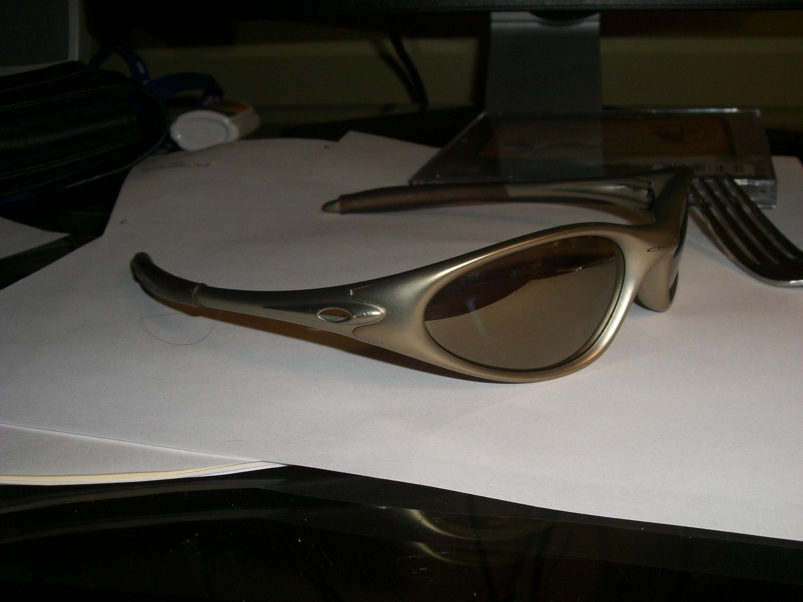 FS: Very RARE V.1 Minute Oakley Sunglasses - cimg0003g.jpg