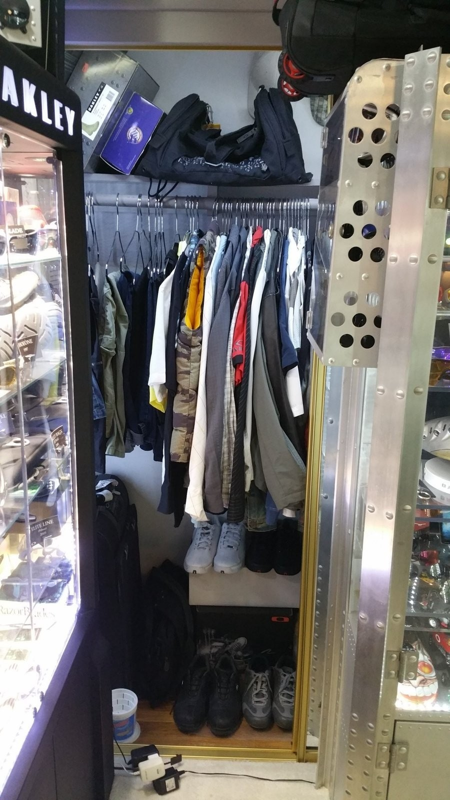 Oakley rooms - show us yours - closet3.jpg