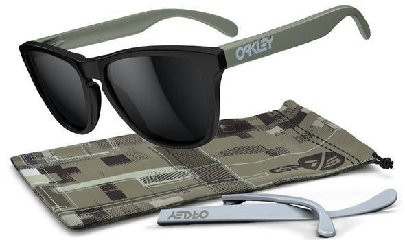 Poll - Best Oakley Frogskins Release Of 2012 - CollectorsFrogskins4Legged_MatteBlackGP75_Blackjpg.jpg