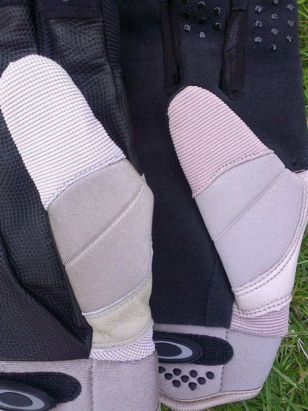Counterfeit SI Gloves? - Comp2.jpg