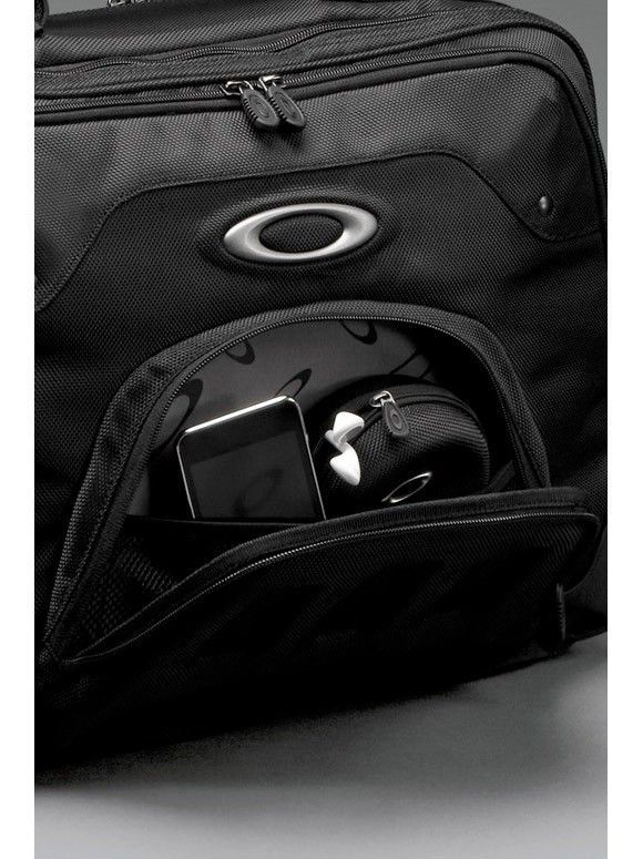 Oakley - Laptop Computer Travel Bag - computer_bag_4_full_zps541780d5.jpg