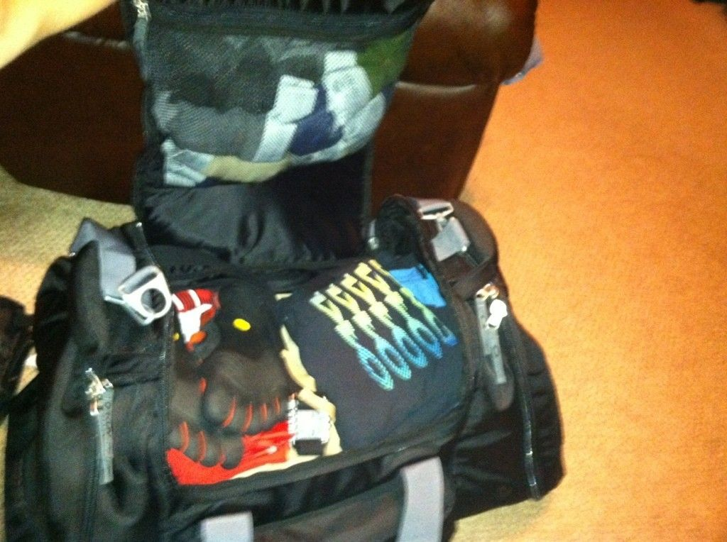 Suggestions On Duffel Bags For Traveling??? - dbe13259.jpg