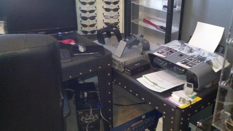 FearGearGarage ~ NEW OFFICE SET UP - desksj.jpg