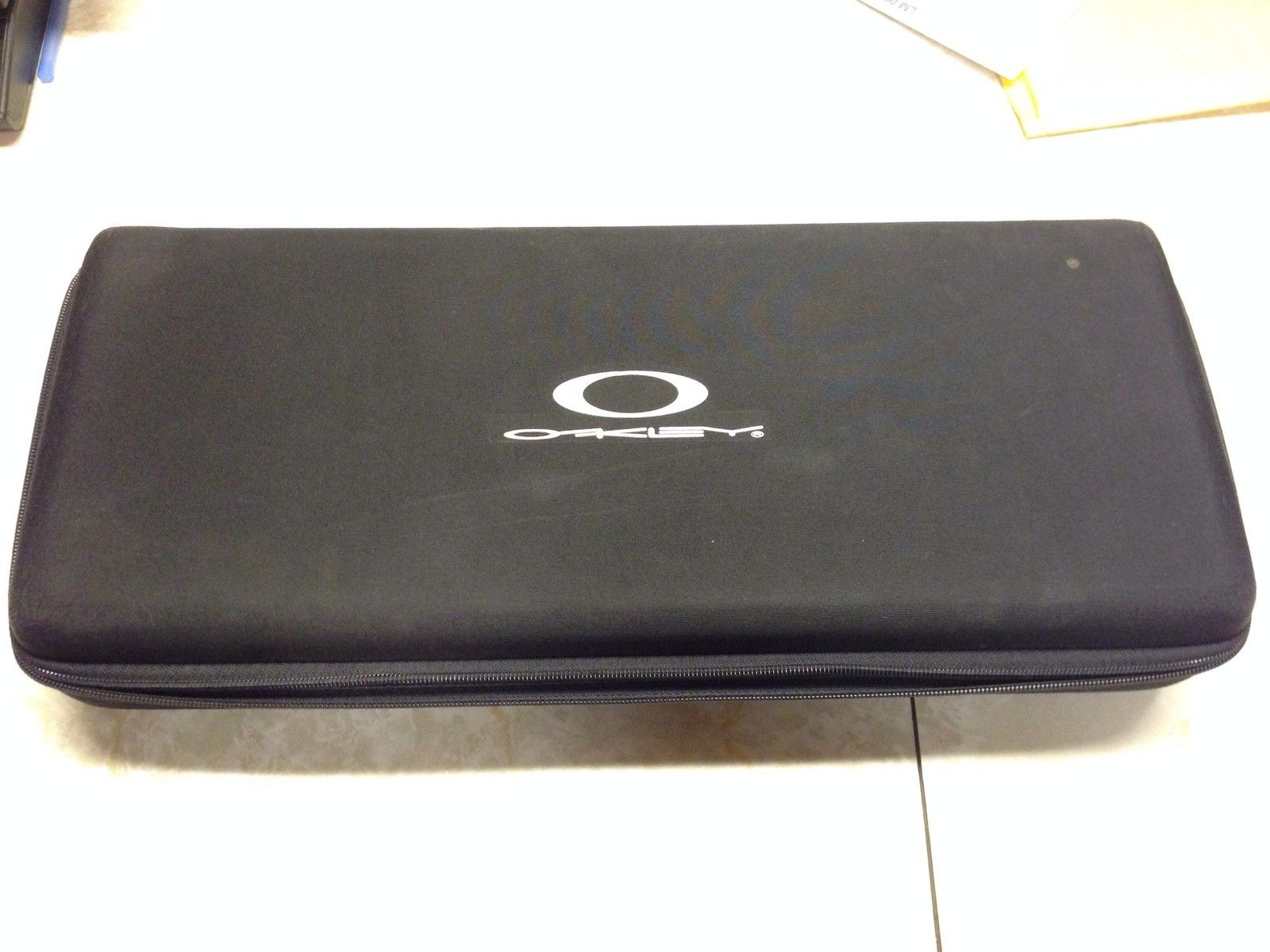 Oakley Sales Rep Case - di2UE1U.jpg