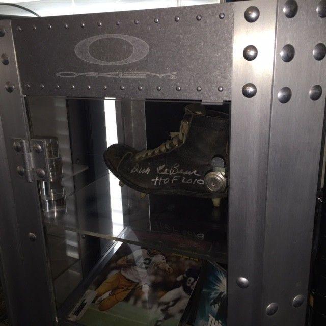 Single Wide Aluminum Display Case SOLD!! - Display.JPG