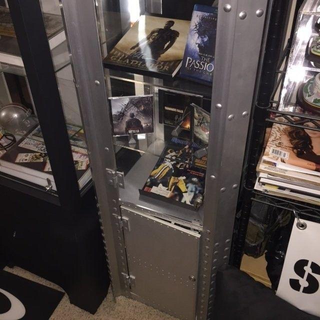 Single Wide Aluminum Display Case SOLD!! - Display1.JPG