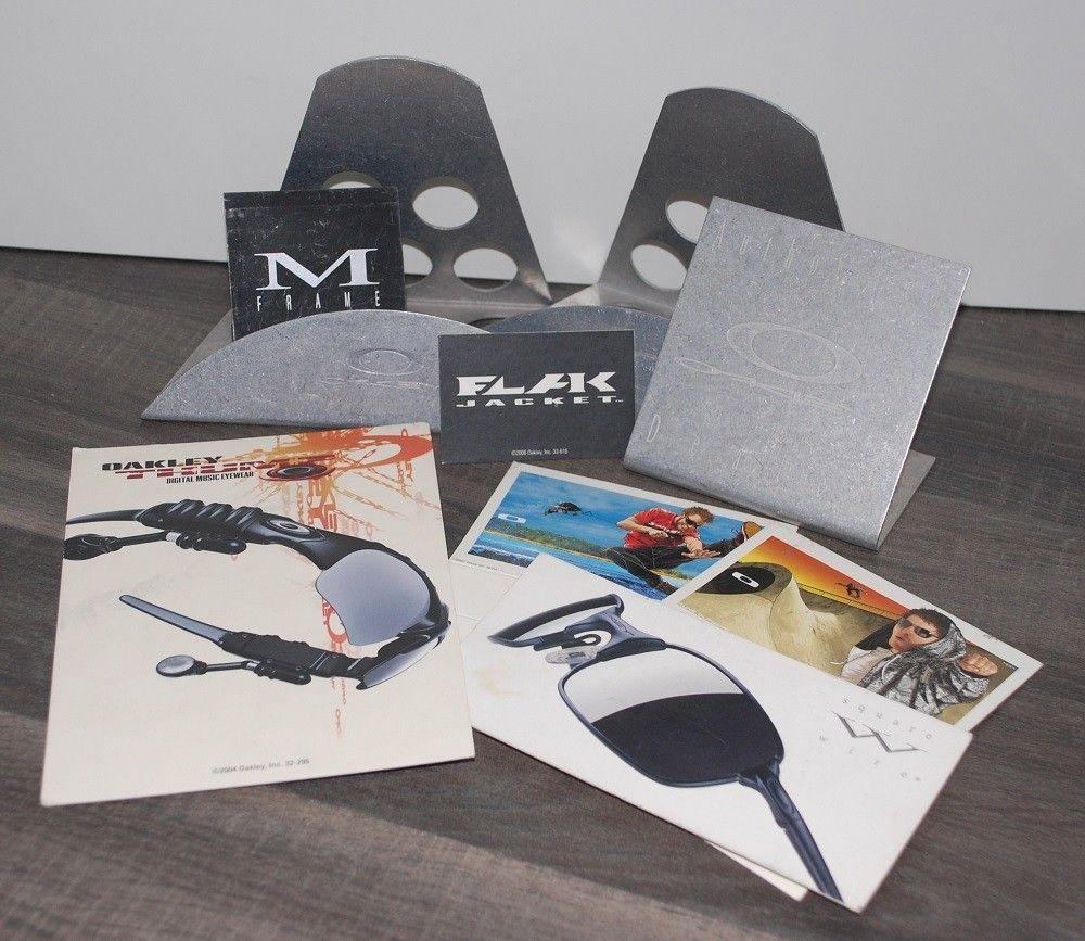 Displays, lenses, rubbers, cards, bandana... - Displays.jpg