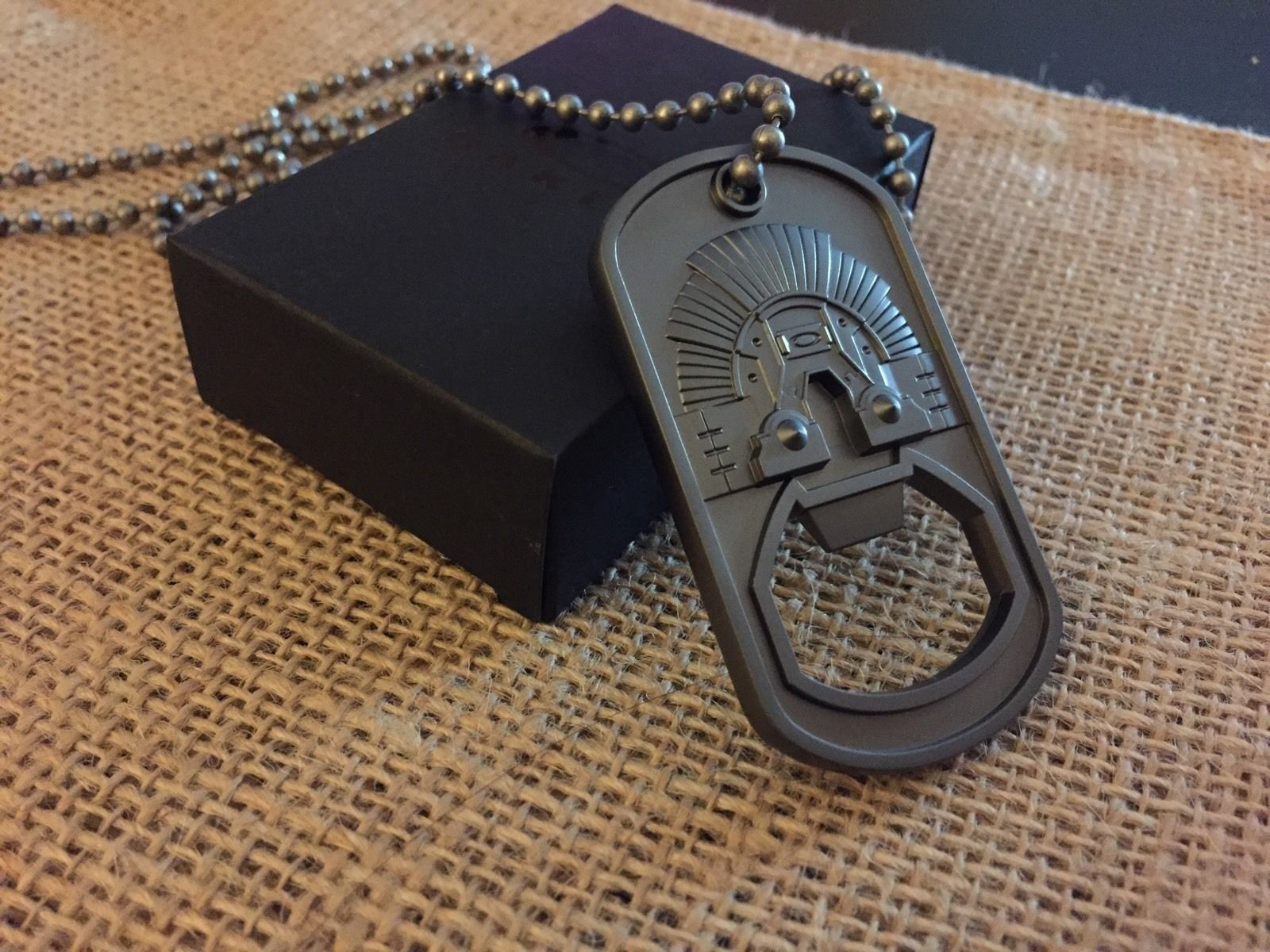 Oakley DOG TAG keychain bottle opener NEW in box - dogtag.JPG