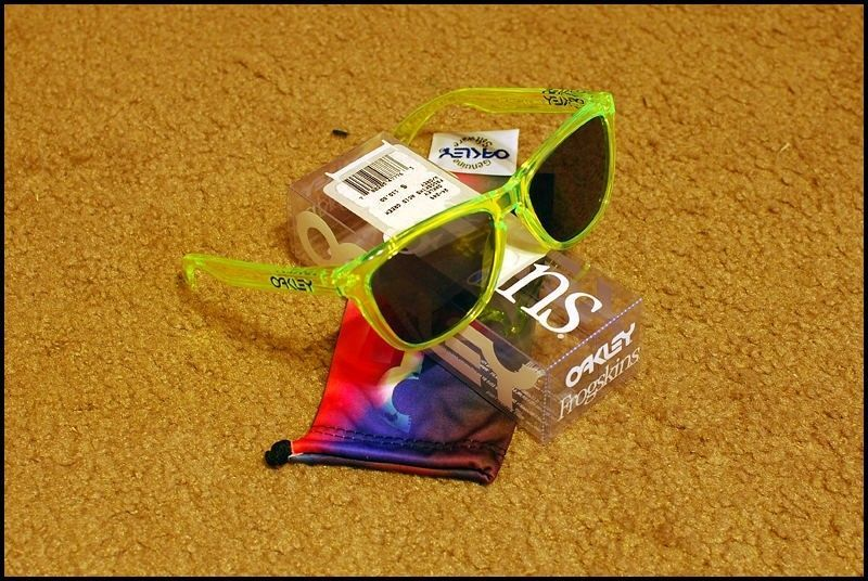 FS: Acid Green Frogskins - dsc0004xm.jpg