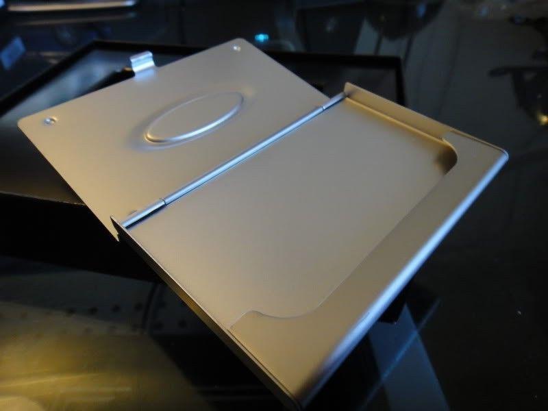 RARE Brand New In Box  ICON CARD CASE (ALUMINUM SUPER RARE) Collectors Item!!!! - DSC00079.jpg