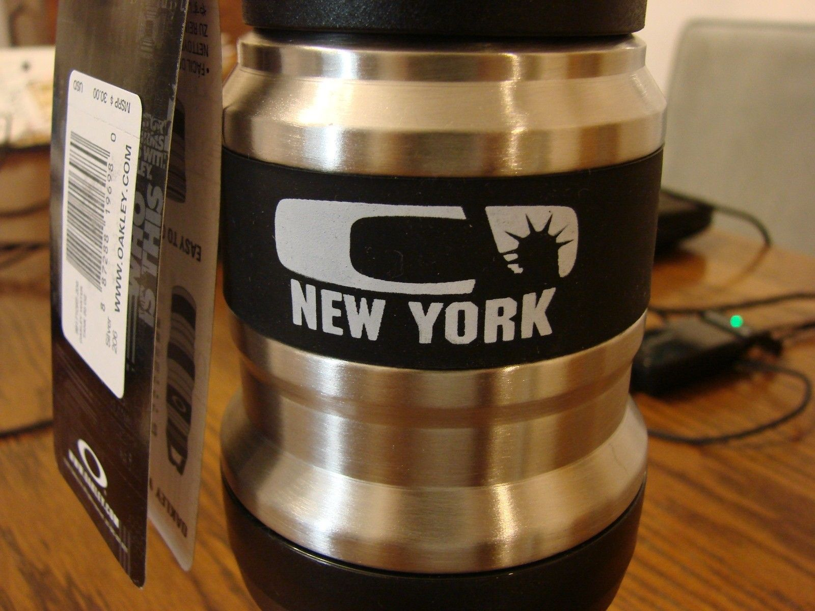 SOLD 20 OZ STAINLESS STEEL NEW YORK CITY WATER TANK - DSC00152.JPG