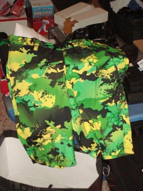 Jupiter Frog Board Shorts NWT Size 34 - DSC00310_zpsba48ffce.jpg