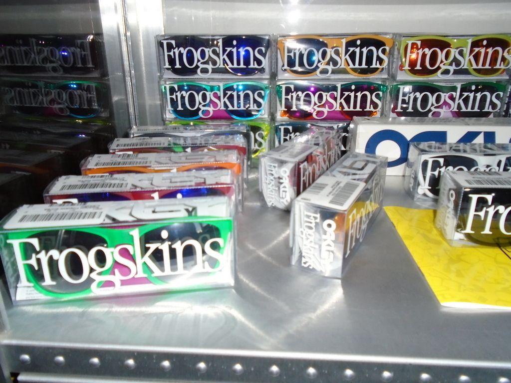ROMEO VAN FROGSKINSTEIN'S FROGSKINS COLLECTION (AND WANTS LIST). - DSC00330_zpsvsafu0ng.jpg
