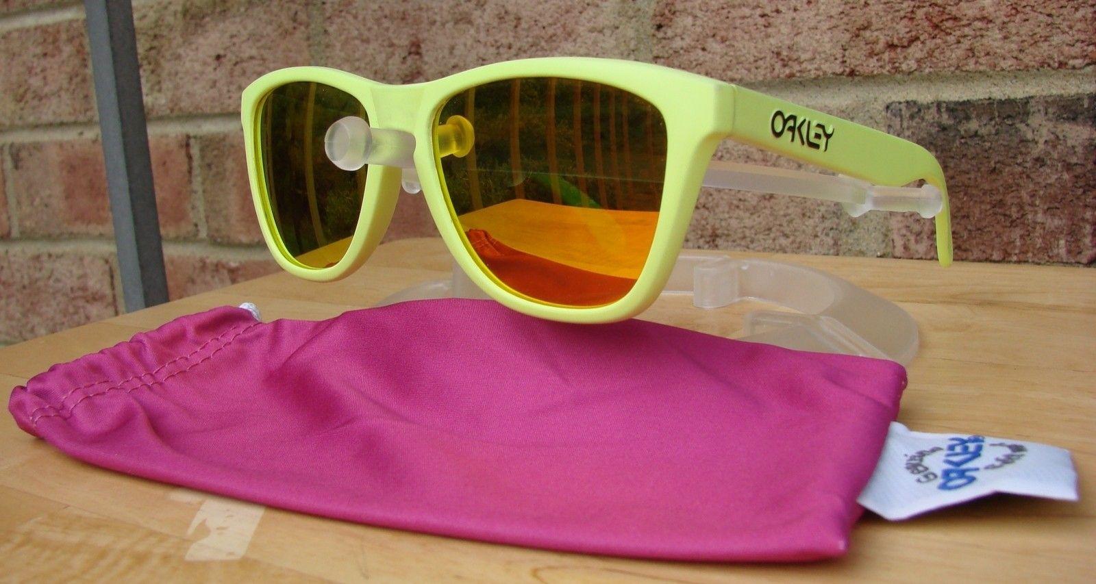 Neon Yellow Frogskins 03-200 - DSC00543.JPG