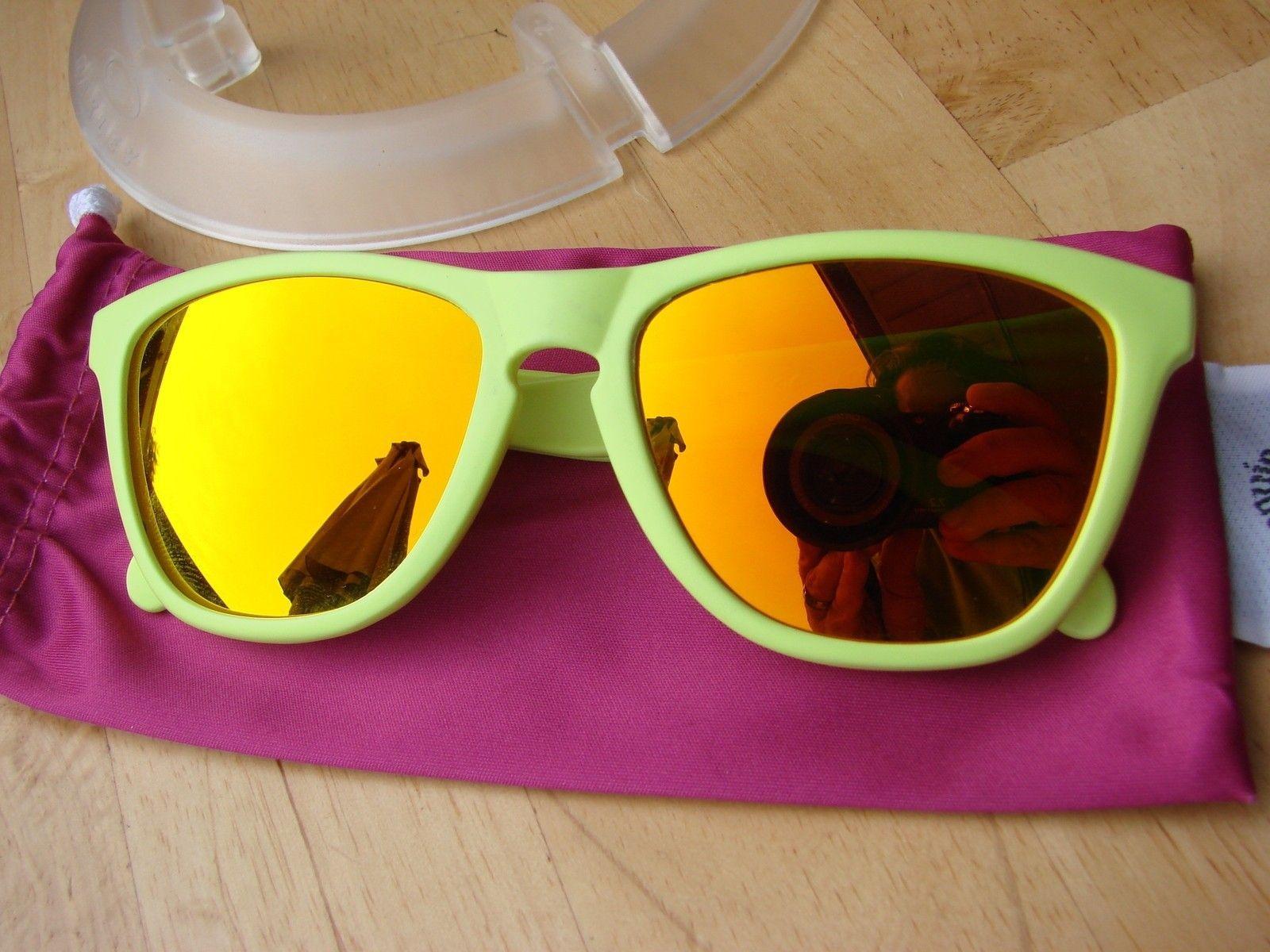 Neon Yellow Frogskins 03-200 - DSC00552.JPG