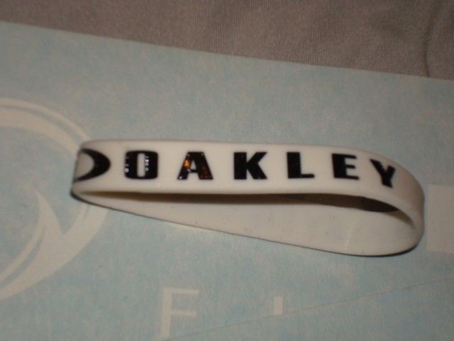 Oakley Fishing Big Bass Tour Combo Shirt Hats Stickers Bracelet - DSC00753.JPG