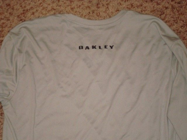 Oakley Fishing Big Bass Tour Combo Shirt Hats Stickers Bracelet - DSC00757.JPG