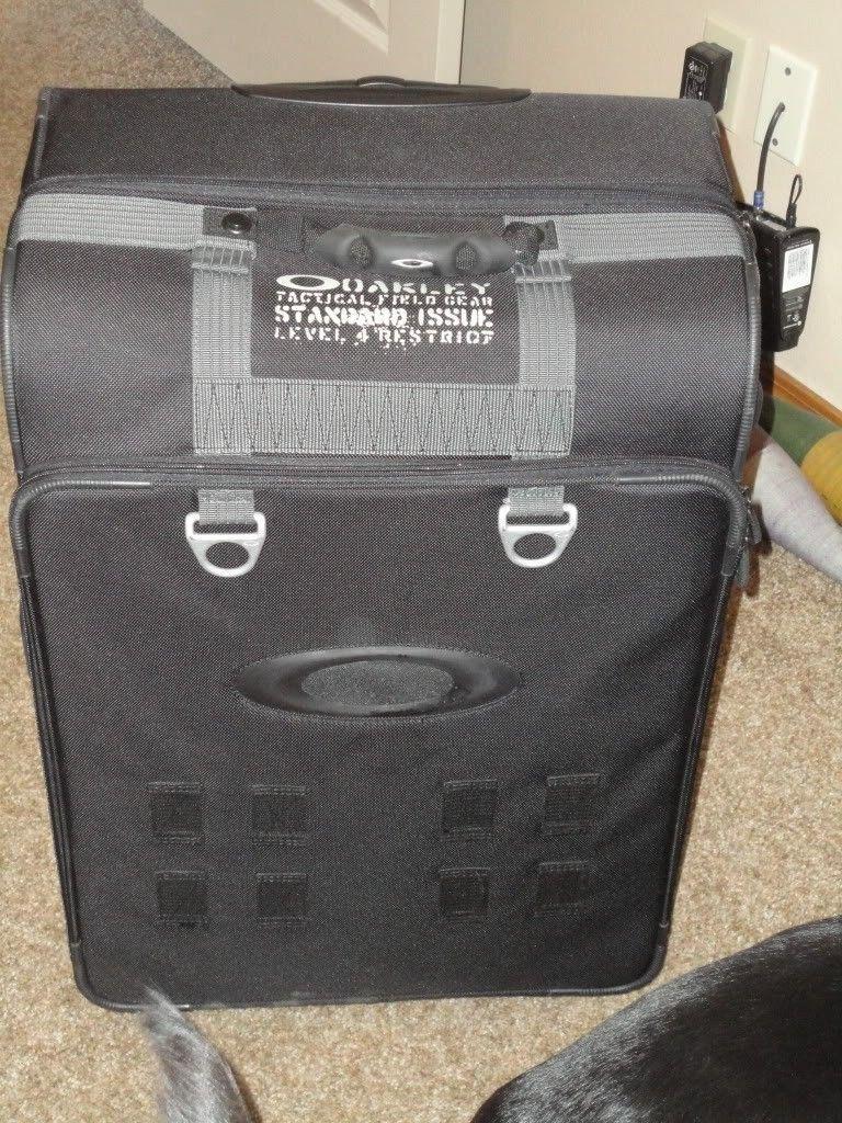 Name That Oakley Luggage. - DSC01187.jpg