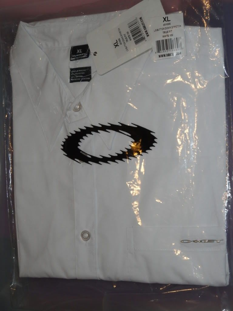 NWT Oakley Clothes For Sale Or Trade  !!! - DSC01223.jpg