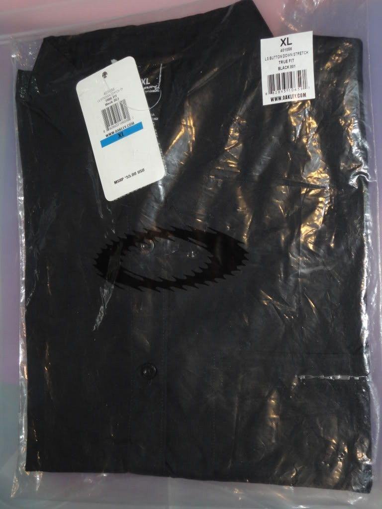 NWT Oakley Clothes For Sale Or Trade  !!! - DSC01224.jpg