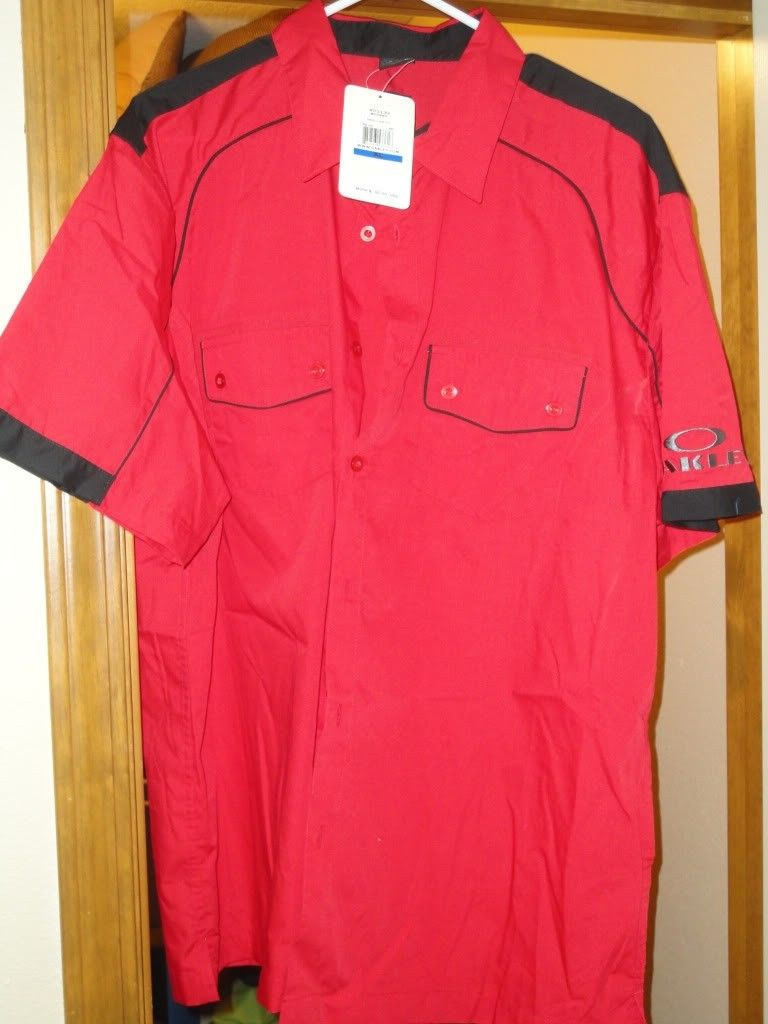 NWT Oakley Clothes For Sale Or Trade  !!! - DSC01227.jpg