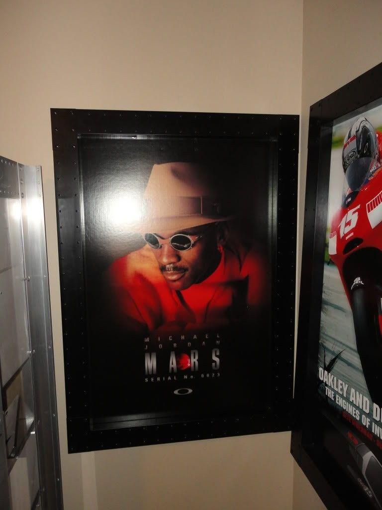 Michael Jordan Romeo/Mars Wall Hangers - DSC02256.jpg