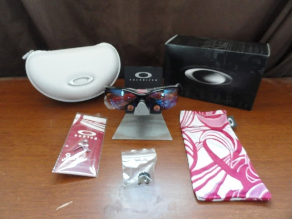 Commit SQ Breast Cancer Awareness Edition For Sale - DSC02318_zps45f0bf7a.jpg