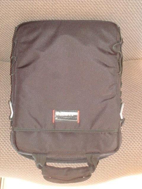 Vertical Laptop 2.0 Bag - DSC02412_zpsad698af6.jpg