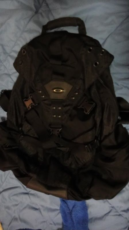 Oakley Icon 2.0 Backpack In BLACK, Mint Condition. - DSC02709.jpg