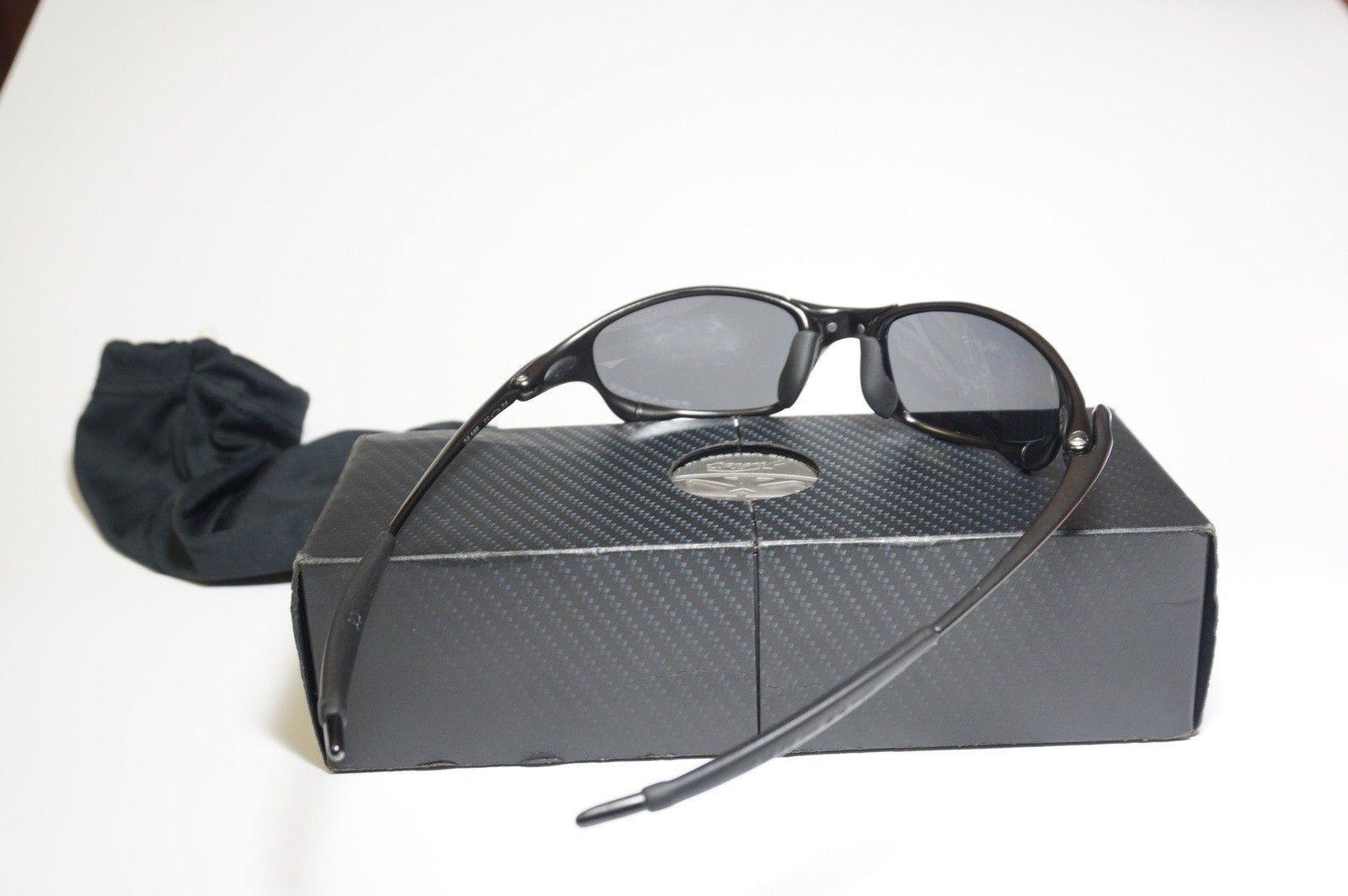 Carbon Juliet with Box and Coin. (SOLD) - DSC03136.JPG