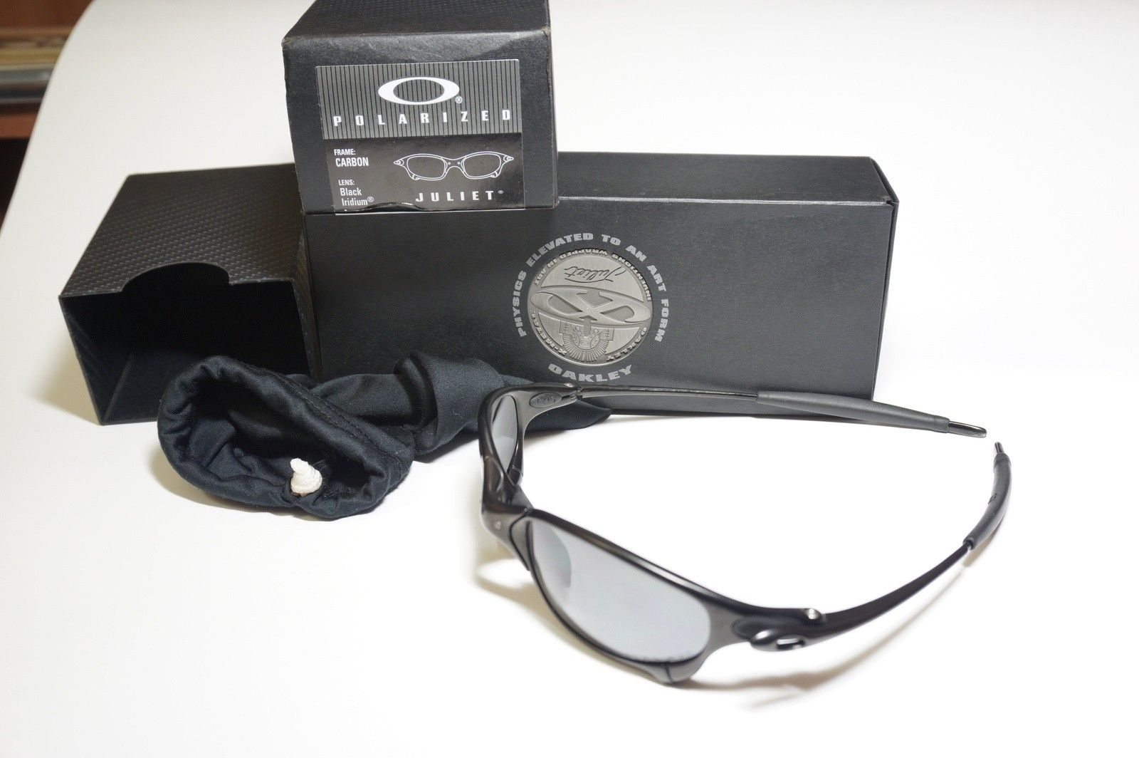 Carbon Juliet with Box and Coin. (SOLD) - DSC03137.JPG